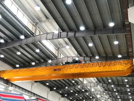 华荣科技安装起重机近百台