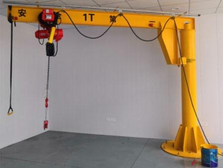 中能电驱安装定柱式旋臂起重机